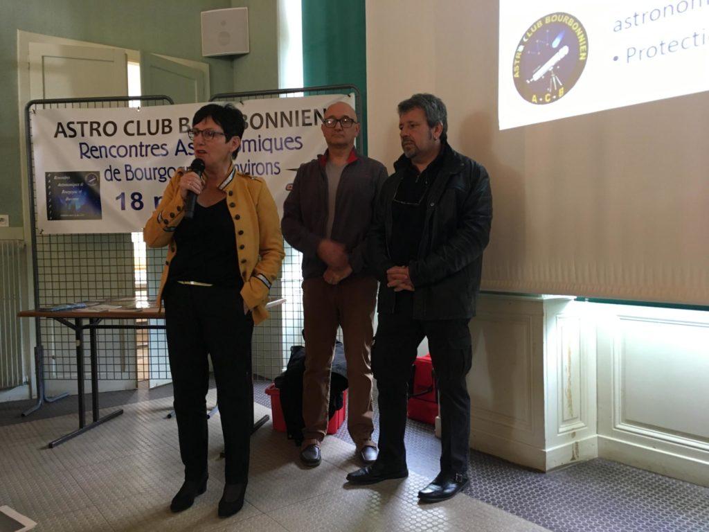 Edith Gueugneau maire de Bourbon Lancy - Michel La Porta et Thierry Roig président et vice président de l'Astro-Club Bourbonnien